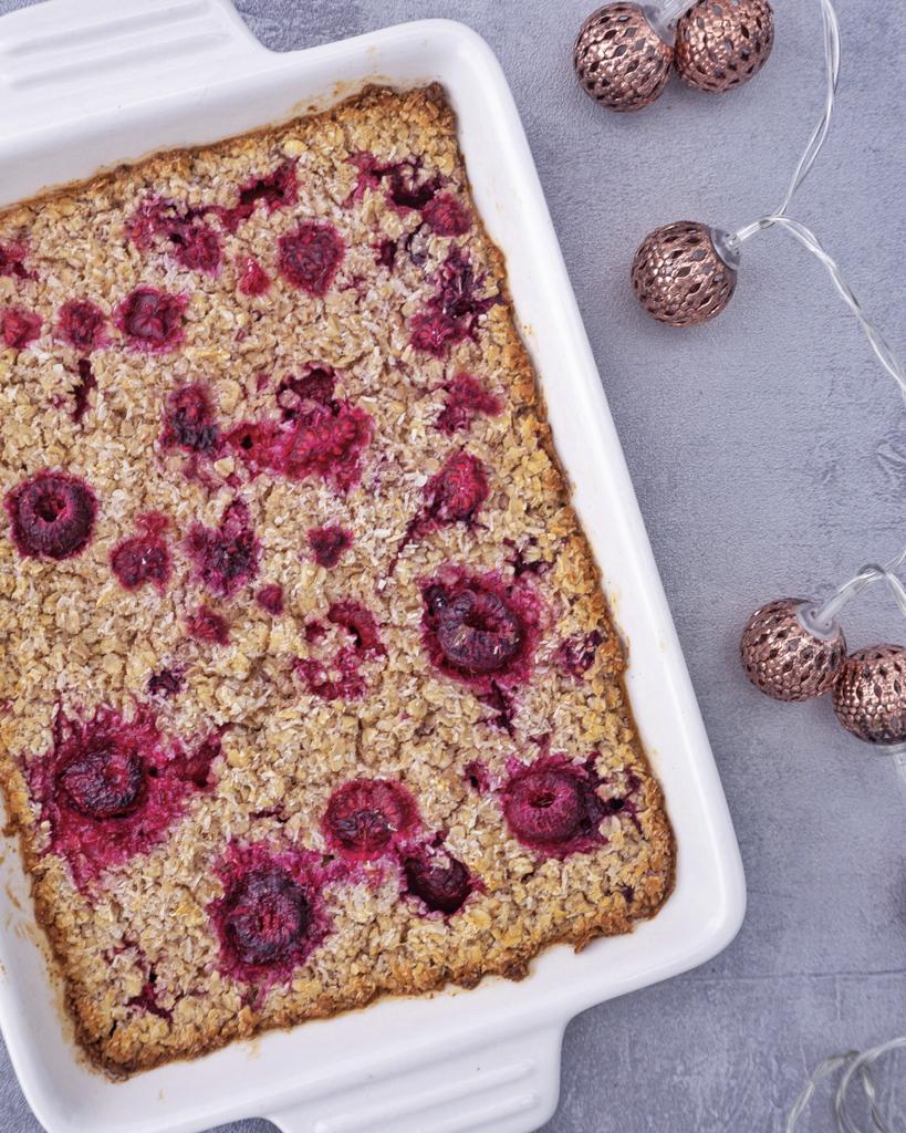 Baked Oatmeal Rezept mit Himbeeren
