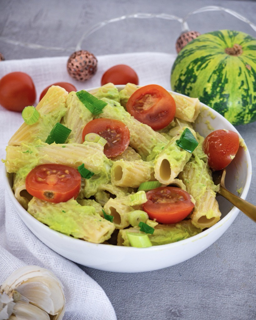 Avocado Pesto with Pasta