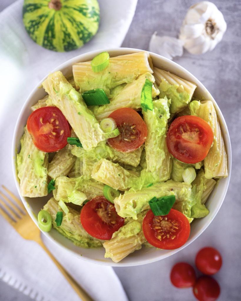 Gesundes Avocado Pesto mit Pasta