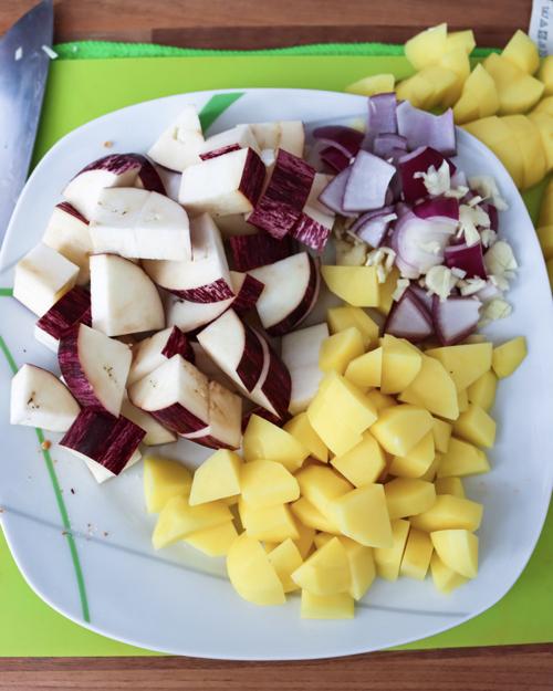 Gemüse Kartoffel in würfel schneiden